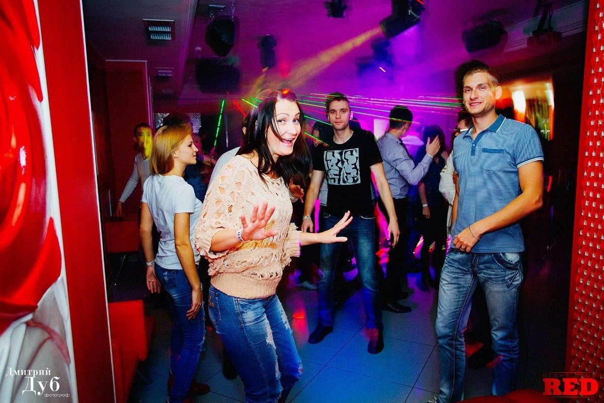 odezhda-dlya-klubnih-tantsev-seksualnaya